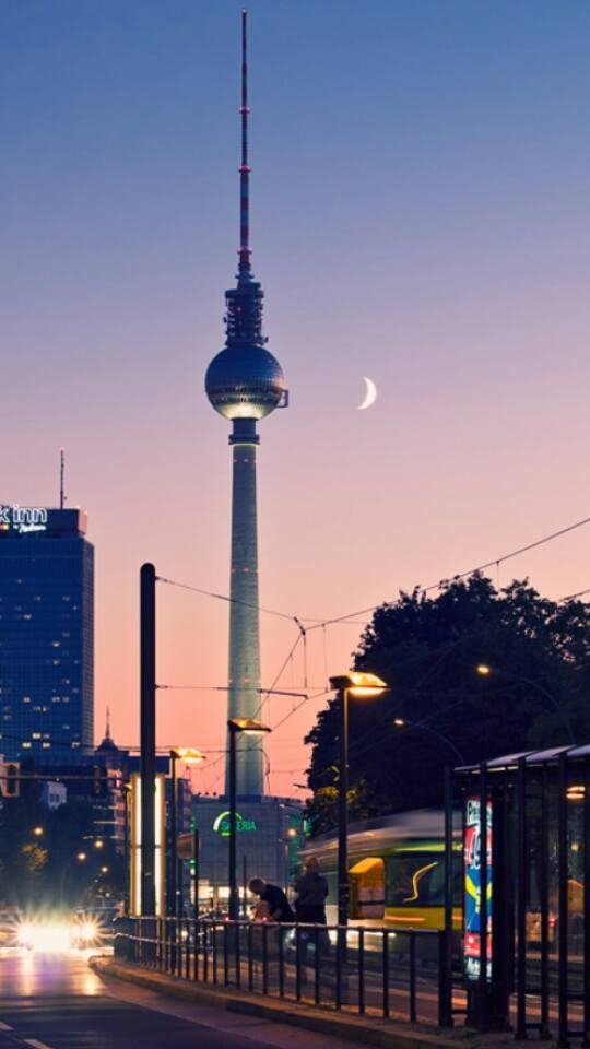 Berlin Germany Fernsehturm Schone Orte Orte