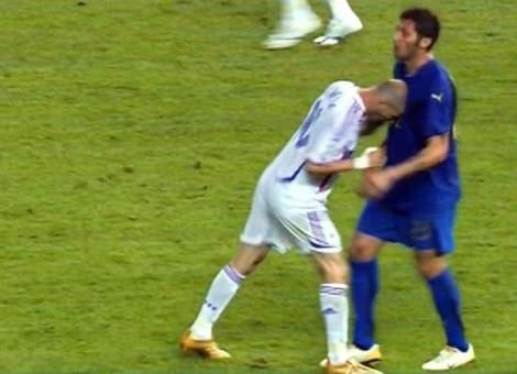 Zidane S Headbutt French Soccer Players Soccer Zinedine Zidane