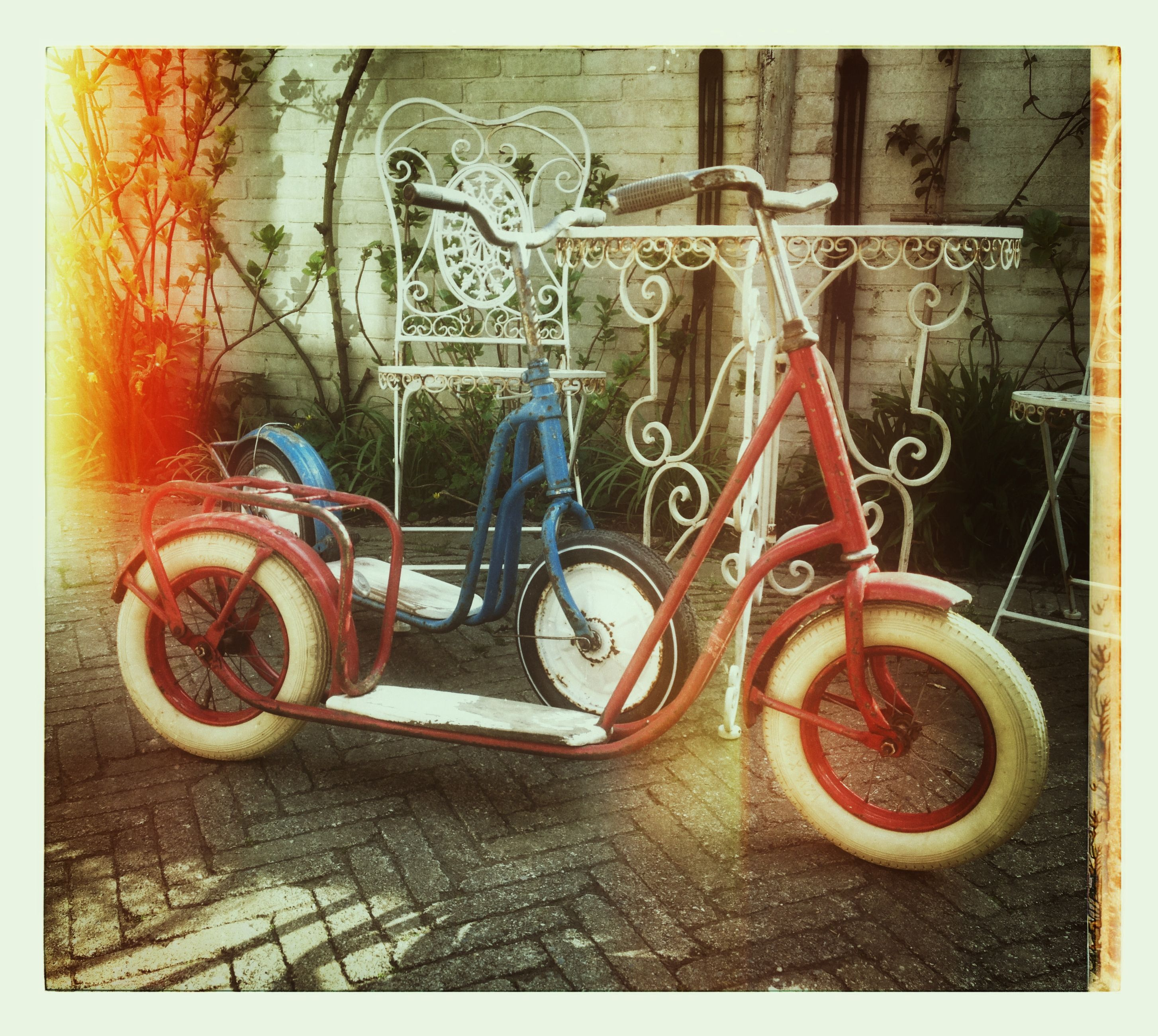 Vintage Red And Blue Scooter Step Autoped Driewieler