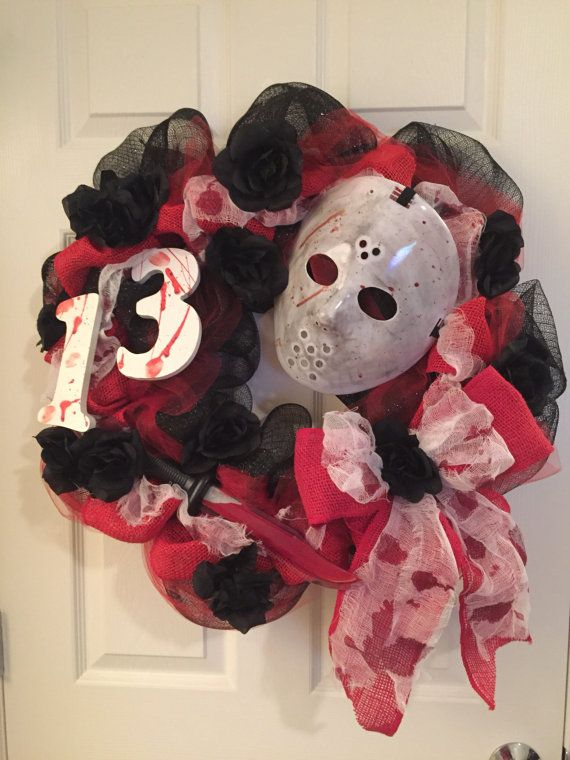 Bloody 13 Wreath/Sale/Friday the 13th/Jason/Knife/scary/front