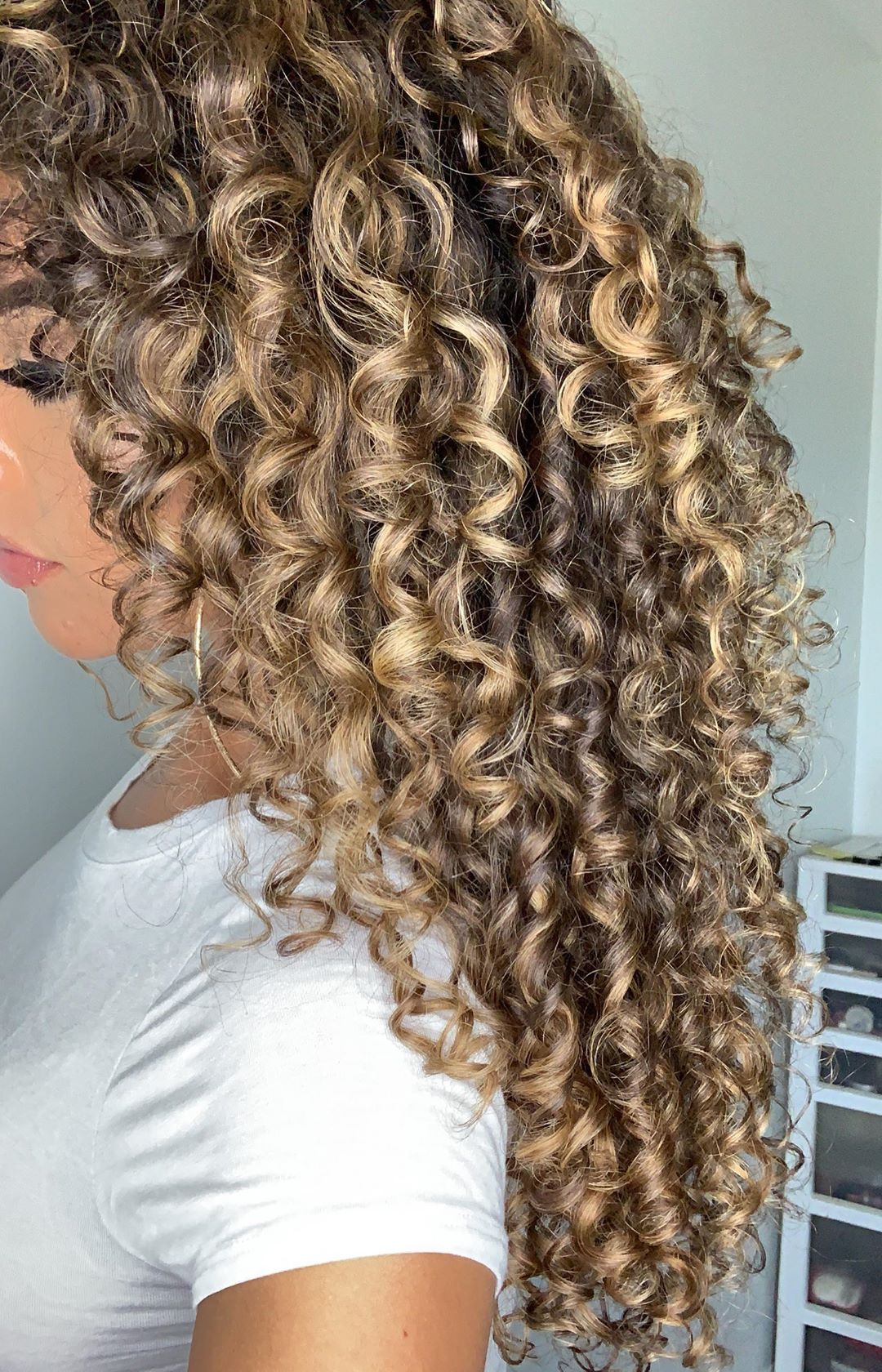 Felicia Healthy Hair Hif3licia On Instagram Train Your Curls While Deep Conditioning And Wet Plopping For Beautiful Boun Bouncy Curls Hair Healthy Hair