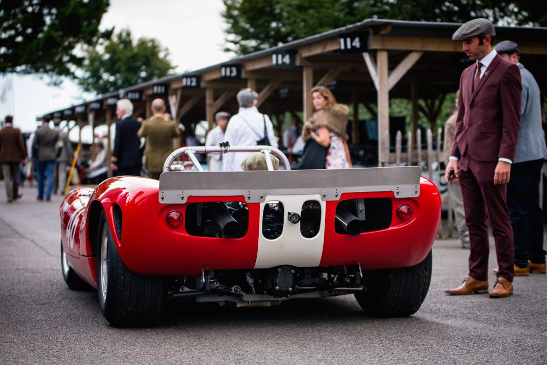 All sizes | Mike Whitaker - 1966 Lola-Chevrolet T70 Spyder at the 2016 Goodwood Revival (Photo 1) | Flickr - Photo Sharing!