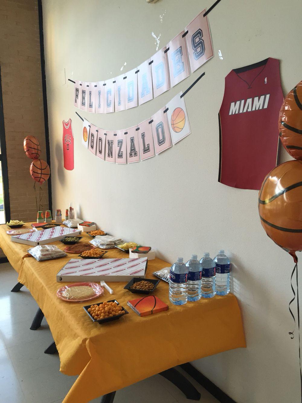 Fiesta de cumpleaños basket