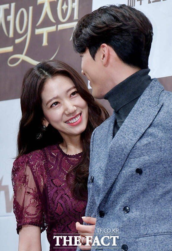 I Love How They Look Like They Became Really Good Friends Through Acting Together Hyun Bin Park Shin Hye Korean Drama