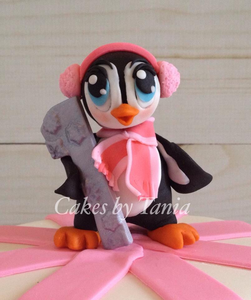 Penguin fondant topper