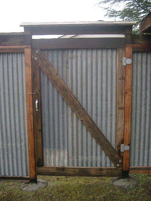 west gate goldridge sangha ktp privacy fence 90. Black Bedroom Furniture Sets. Home Design Ideas