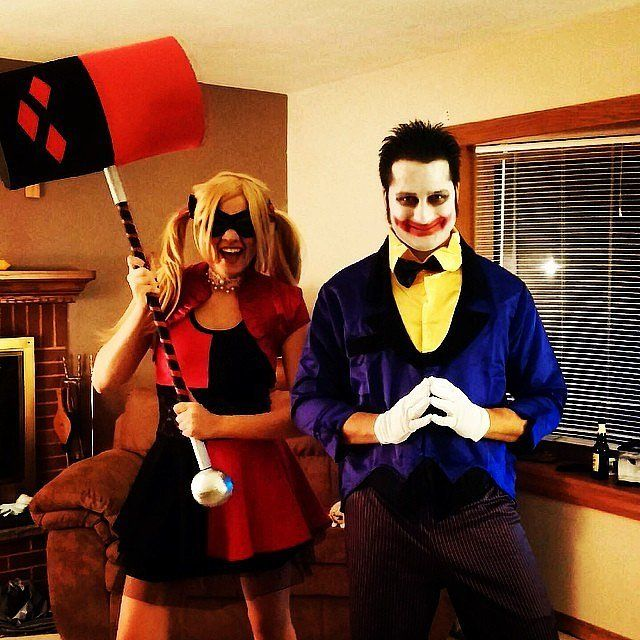 31 scary halloween costumes for couples - The Joker And Harley Quinn Halloween Costumes