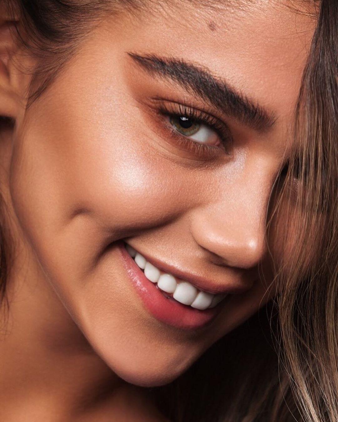 Pin On Tutorials Makeup 60 S Vintage Blackand White Cosmetics Velvet Lipstick Eyeshadow Beautylooks Makeupnomakeup 70 S 80 S 90 S 50