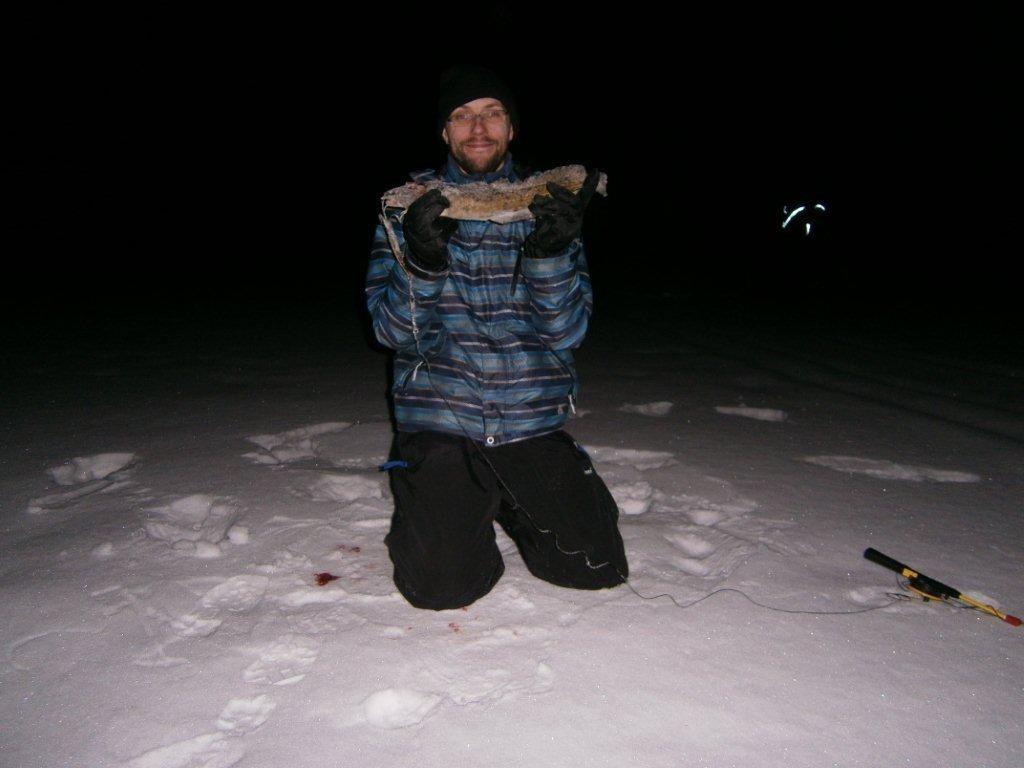 Fongauksen alkukauden kohokohtana on mateen kalastaminen yöllisen tähtitaivaaan alla.