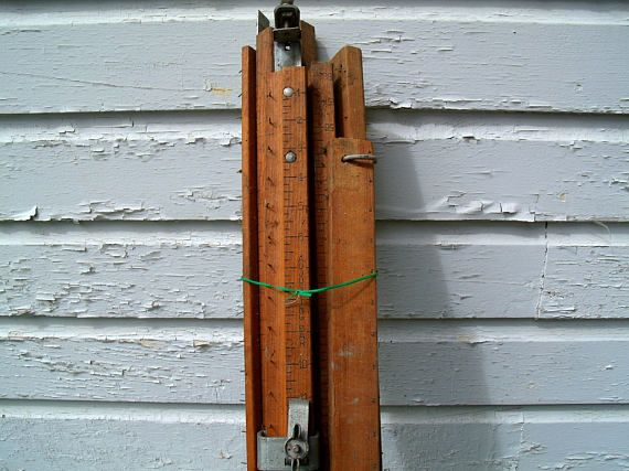 Beautiful Complete Wooden Curtain Stretcher Hostess No. 308 V With