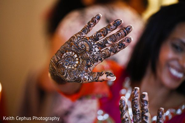 Mehndi Party Saree : Mehndi party maharaniweddings gallery photo