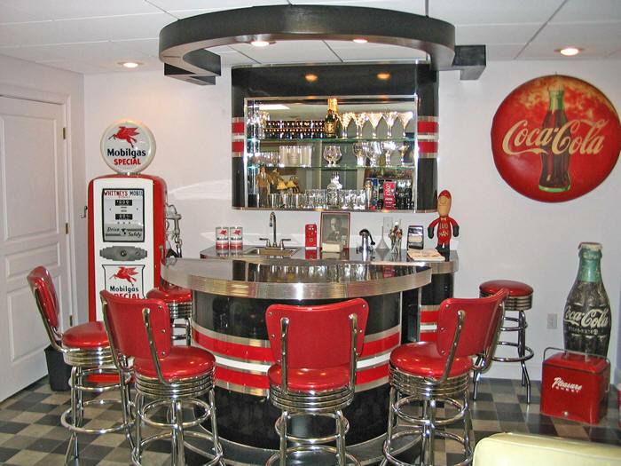 Kitchen // Retro Diner   Over To Top For Me, But Cool Little Bar With Some  Neat Ideas To Use