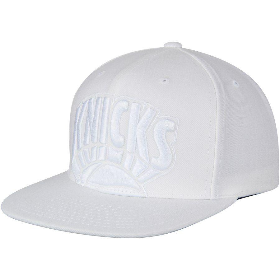 633b4d5d2fa Men s New York Knicks Mitchell   Ness White Hardwood Classics Cropped XL  Logo Snapback Adjustable Hat