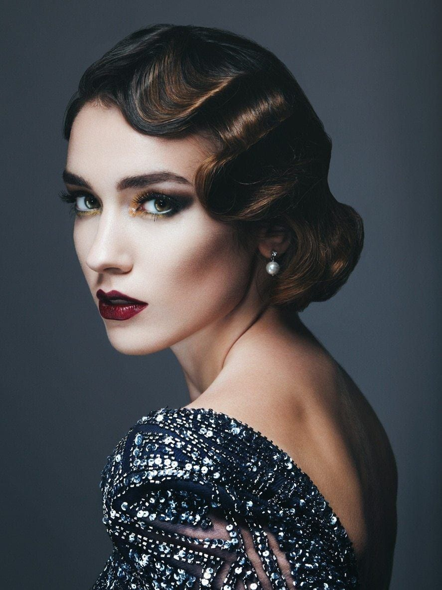 Flapper Hairstyles From Bobs To Finger Waves To Flapper Feathers No Looks Epitomized