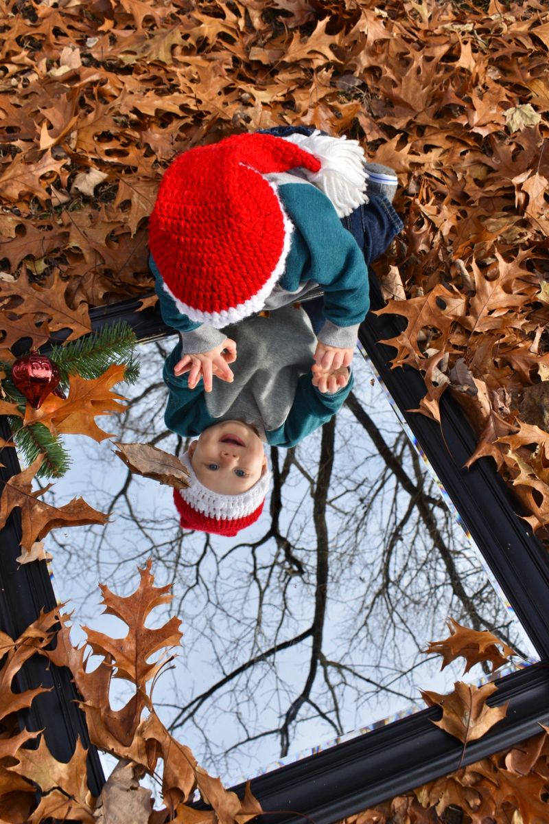 Easy picture ideas! #babyboy #pictureudeas #kidpictureideas #leaves #mirror #christmashat #babypictures #christmaspictureideas