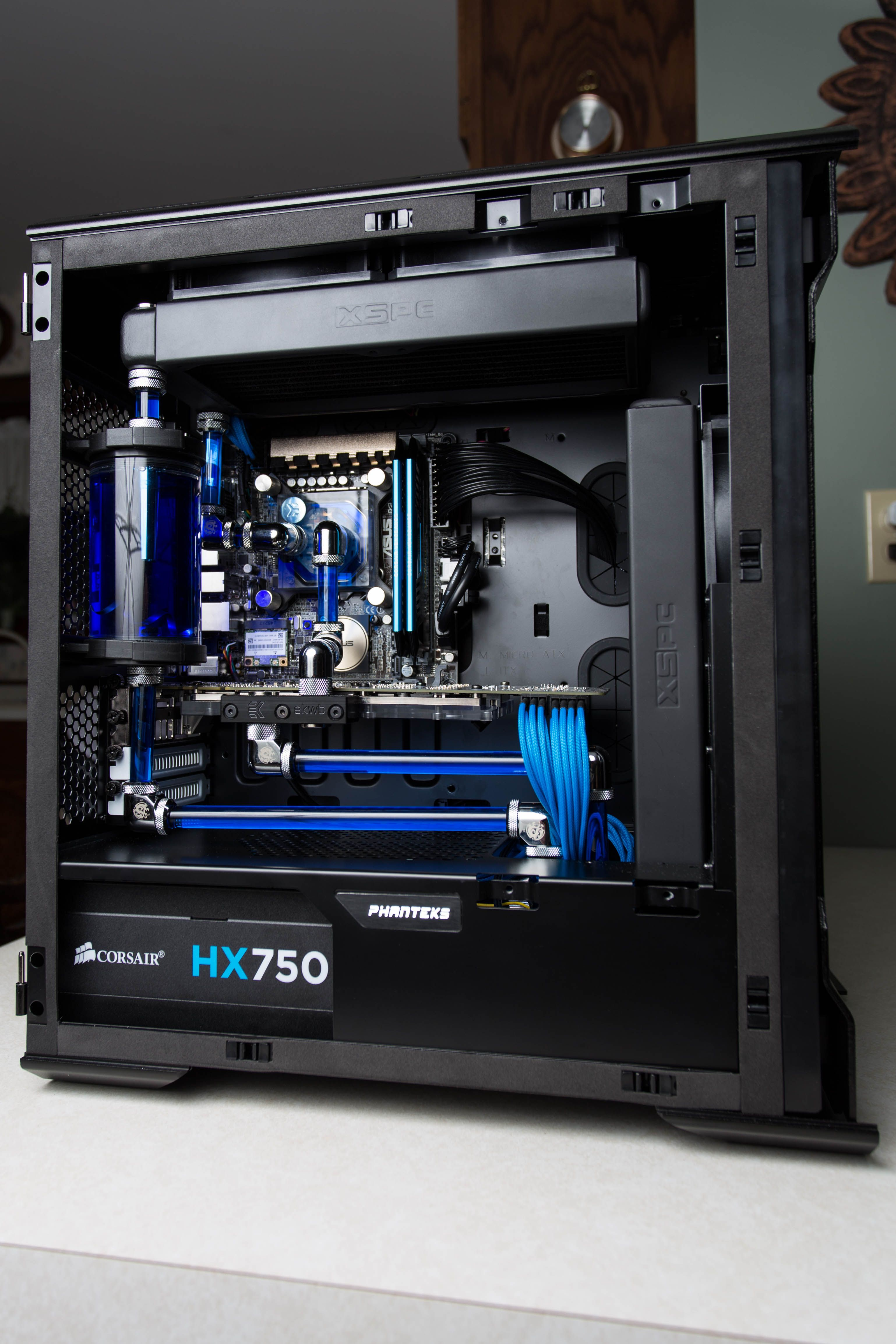 watercooled pc build 2015 water cooled pc 39 s pinterest water pc and gaming. Black Bedroom Furniture Sets. Home Design Ideas