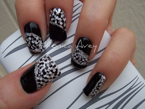 Do It Yourself Black and Silver Nail Art Designs for Beginners   Image courtesy of Monica from Flickr .