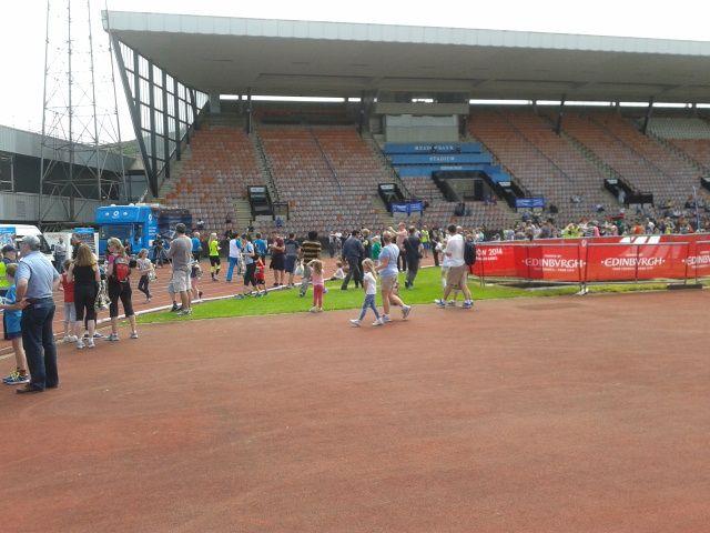 Queen's Baton Relay 2014: Spectators at Meadowbank Stadium ...