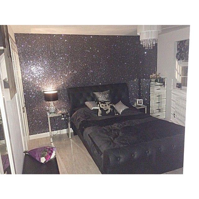 Lauren On Instagram My Beaut New Wallpaper Wagwalls Glitterwallpaper Glitter Wallpaper Bedroom Glitter Bedroom Bedroom Themes