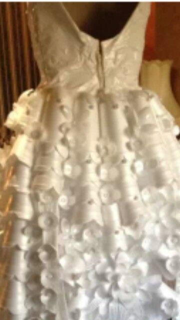 White trah   mardi gras dress out of paper plates platic flatware and styrofoam cups.   & White trah