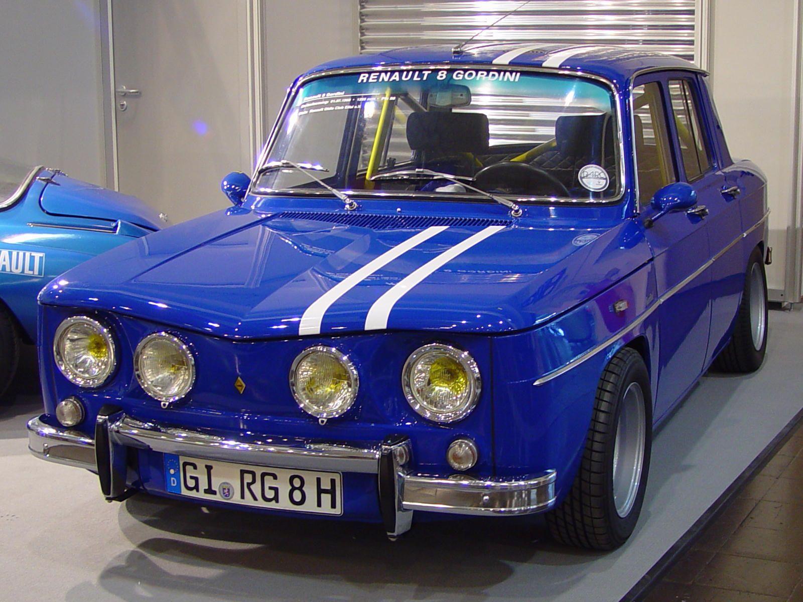 la reunault8   Renault 8