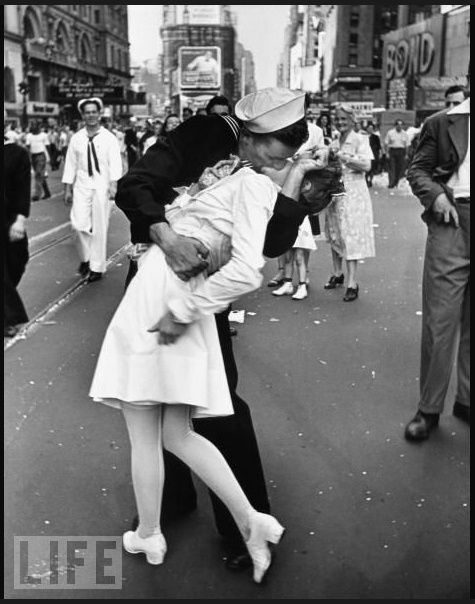 the kiss v j day in times square vintage vintage times square