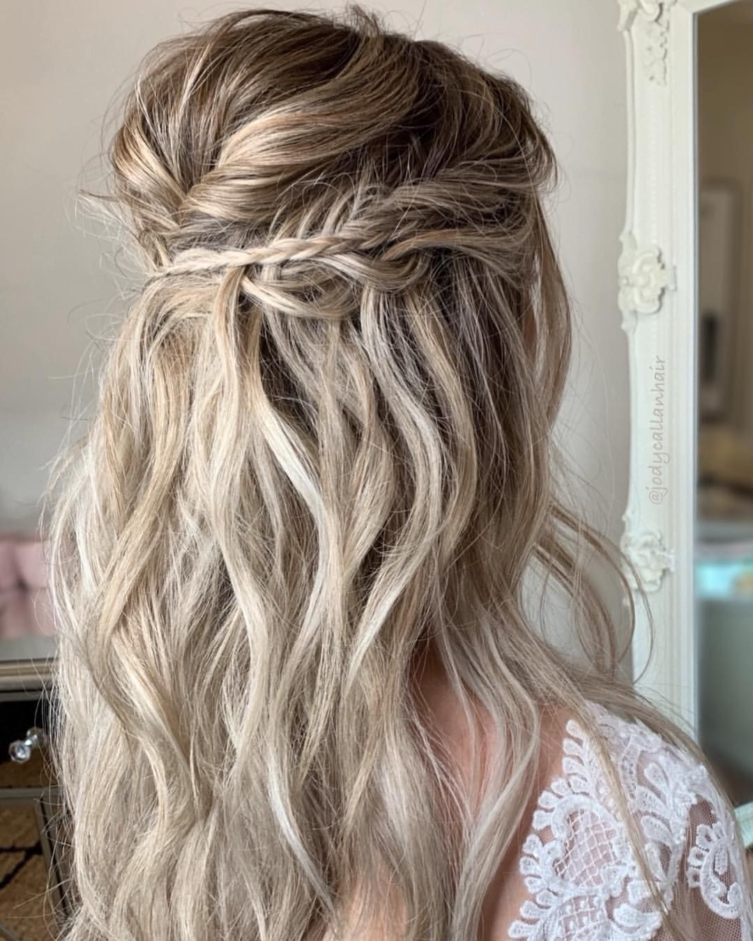 Half Up Boho Hairstyle Inspo Would You Like To See More Of Boho Hairstyles On My Page Comment Below Hai Hair Styles Bridesmaid Hair Medium Hair Styles