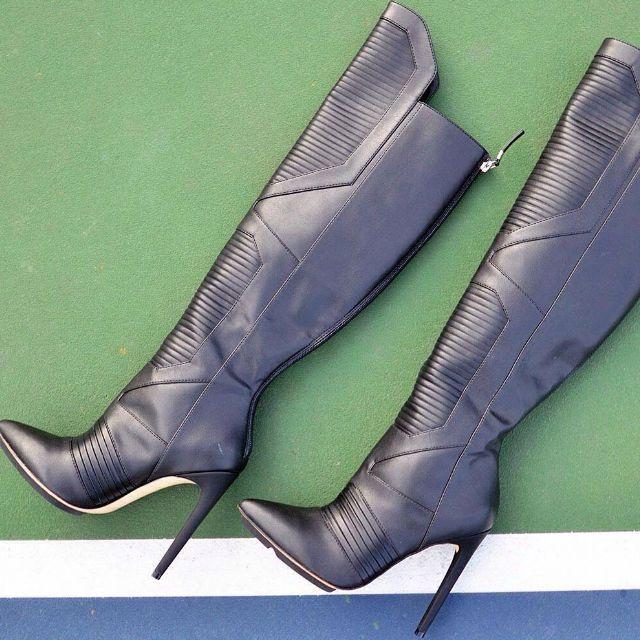 Gwen Stefani Riding Stiletto Boots
