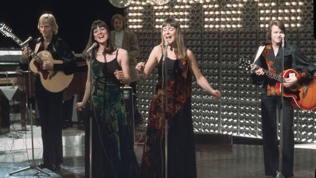 """Gimmicks med """"Sången lär ha vingar"""" i Melodifestivalen 1975."""