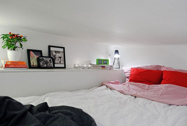 Small Apartment Displaying Clever Design Solutions in Gothenburg - http://freshome.com/2011/12/16/small-apartment-displaying-clever-design-solutions-in-gothenburg/