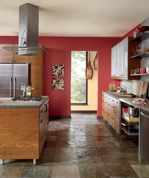 A Fiery Accent Wall Picks Up The Red Tones In Honey