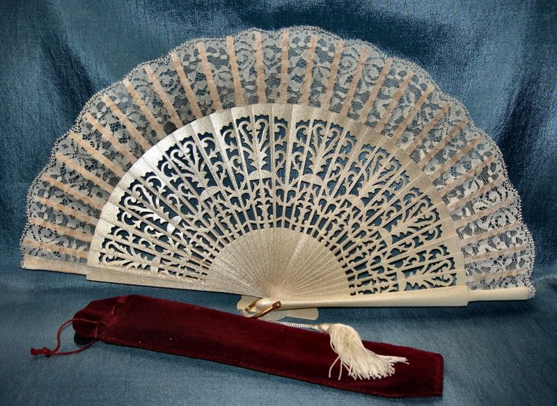 Bridal Fan Absolutely Stunning Hand Fan For The Bride