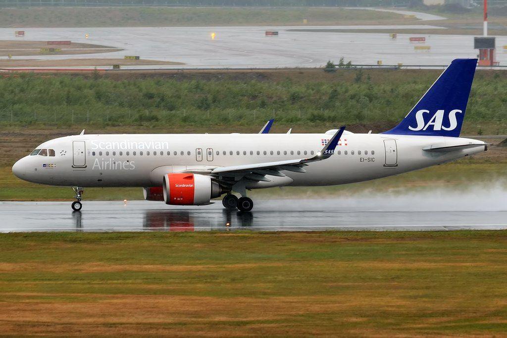 Sas Scandinavian Airlines Ei Sic Airbus A320 251n Sigurd Viking At Helsinki Vantaa Airport Sas Airlines Fleet Airbus