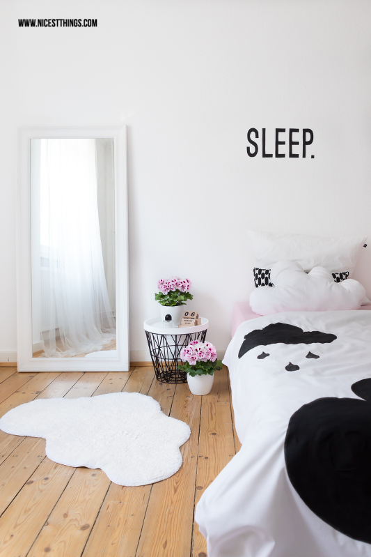 diy wolkenkissen n hen und diy wolken bettw sche selber machen h o m e. Black Bedroom Furniture Sets. Home Design Ideas