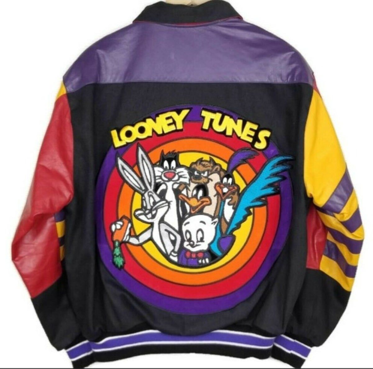 Looney Tunes Vintage 1990s Jacket Small In 2021 Vintage Jacket Outfit Hoody Outfits Cute Sweatpants Outfit [ 1185 x 1200 Pixel ]