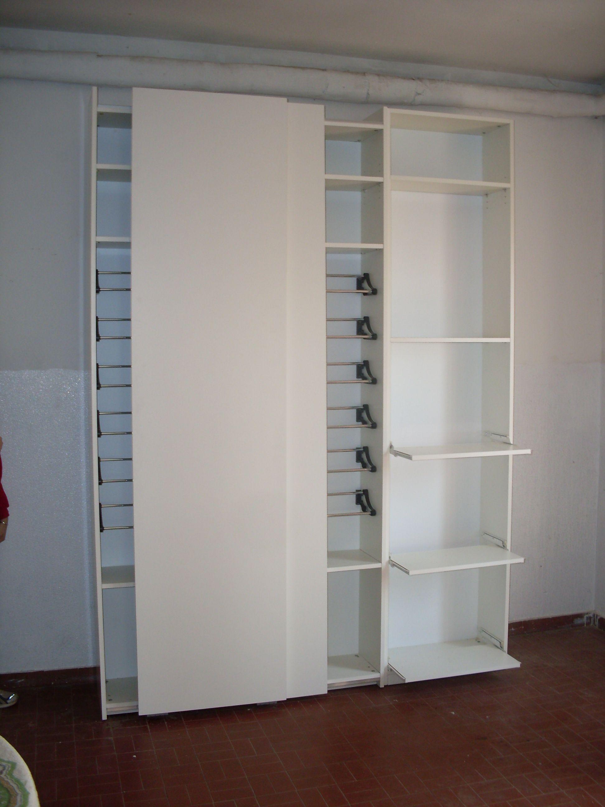 Ikea Pax 3 Ante Scorrevoli.Scarpiera Con Ante Scorrevoli Barre Porta Scarpe E Mensole