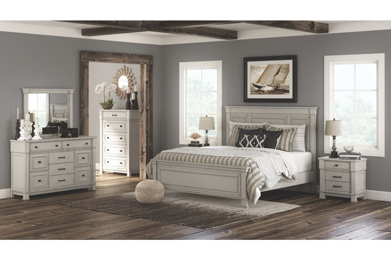Jennily King Bed With 2 Nightstands Distressed White Bedroom