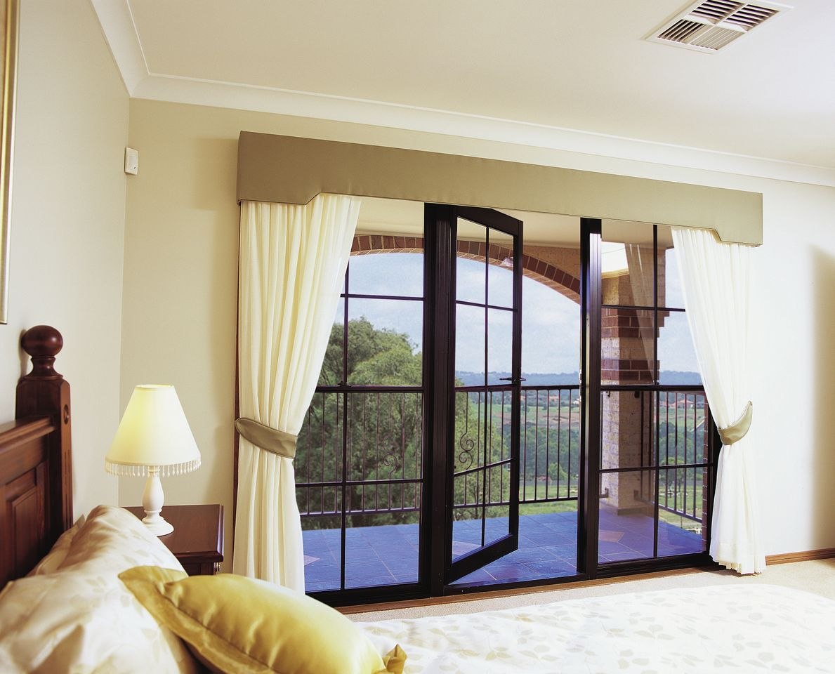 Stunning Curtain Ideas for Large Windows Beautiful Scenery ...