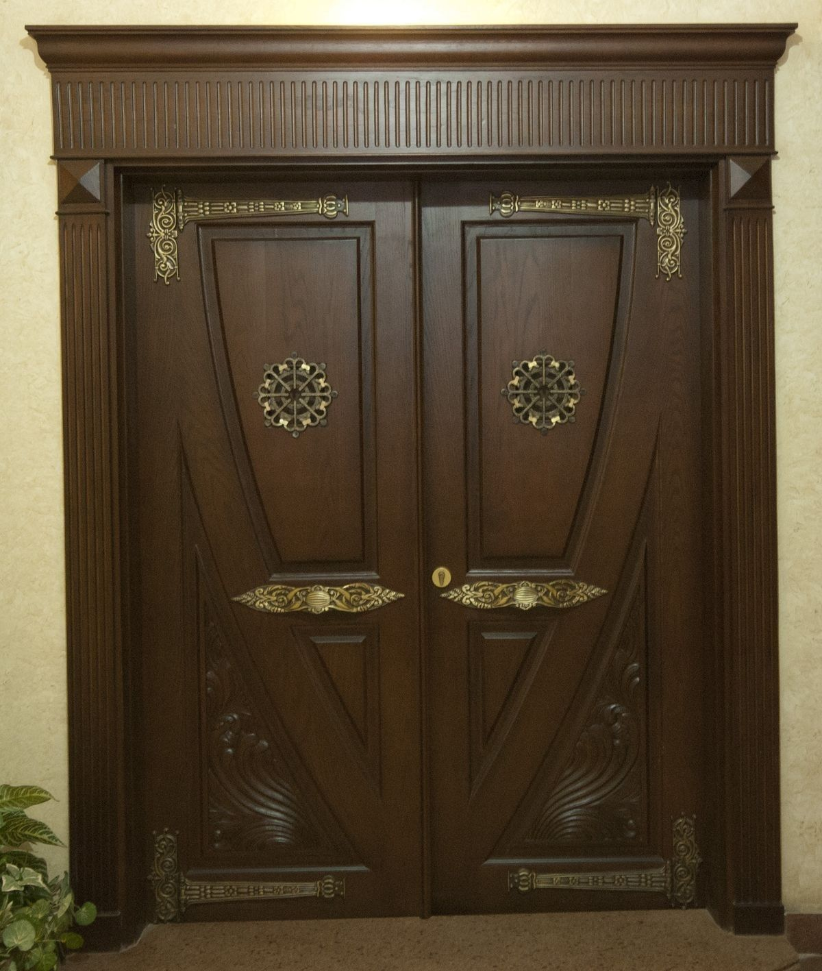Pin By Mohdwe On Doors Exterior Entry Doors Wooden Main Door Design Entrance Door Design