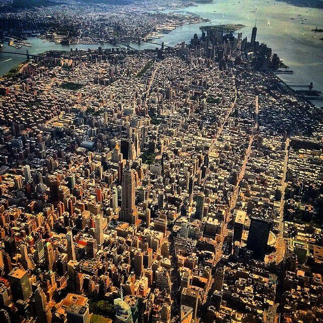 Flying into NYC, @nycgraeme captured this incredible overview of Manhattan. We really appreciate all the Overview submissions we've received so far. Thanks for your support!