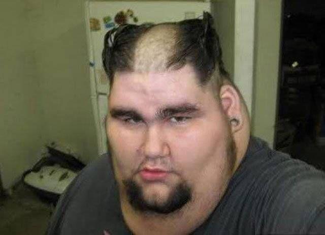 Never Ever Es Geht Immer Noch Schlimmer 25 Schreckliche Haarschnitte Ohne Zukunft Lustige Hunde Fotos Haarschnitt Lustige Frisuren