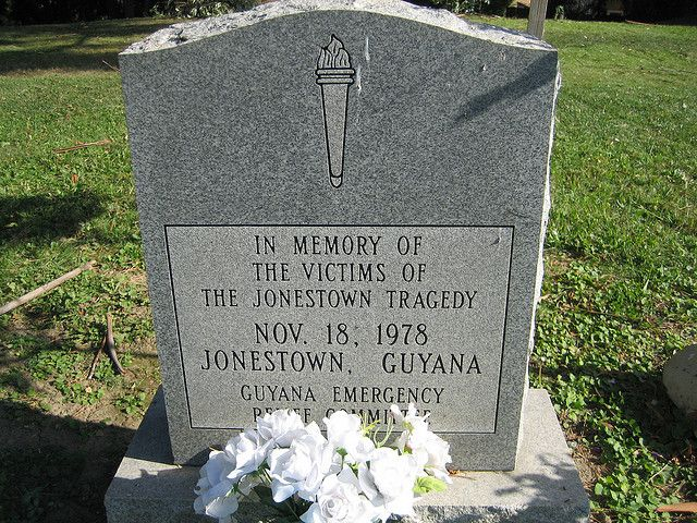 Jonestown Mass Grave Jonestown Famous Graves Grave Marker
