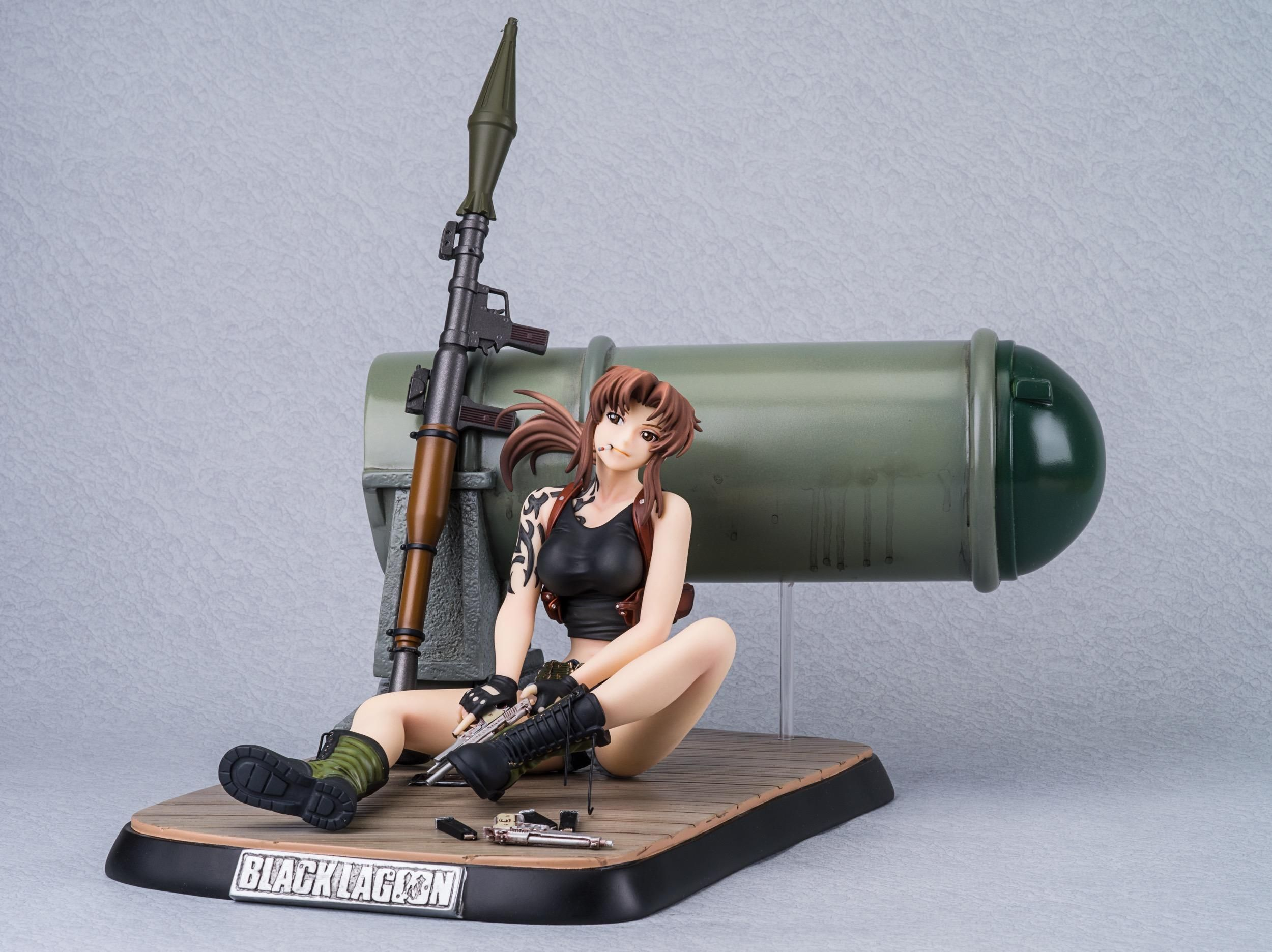 For those absolutely in love with Revy from Black Lagoon, here's ...