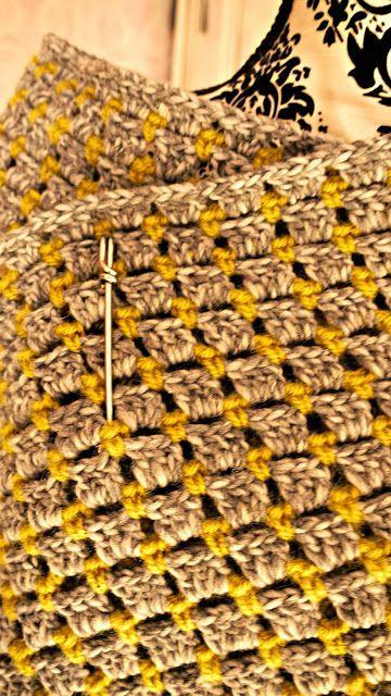 Porcupine Design ~ Marc Jacob Style Shawl: free pattern ❥Teresa Restegui http://www.pinterest.com/teretegui/❥