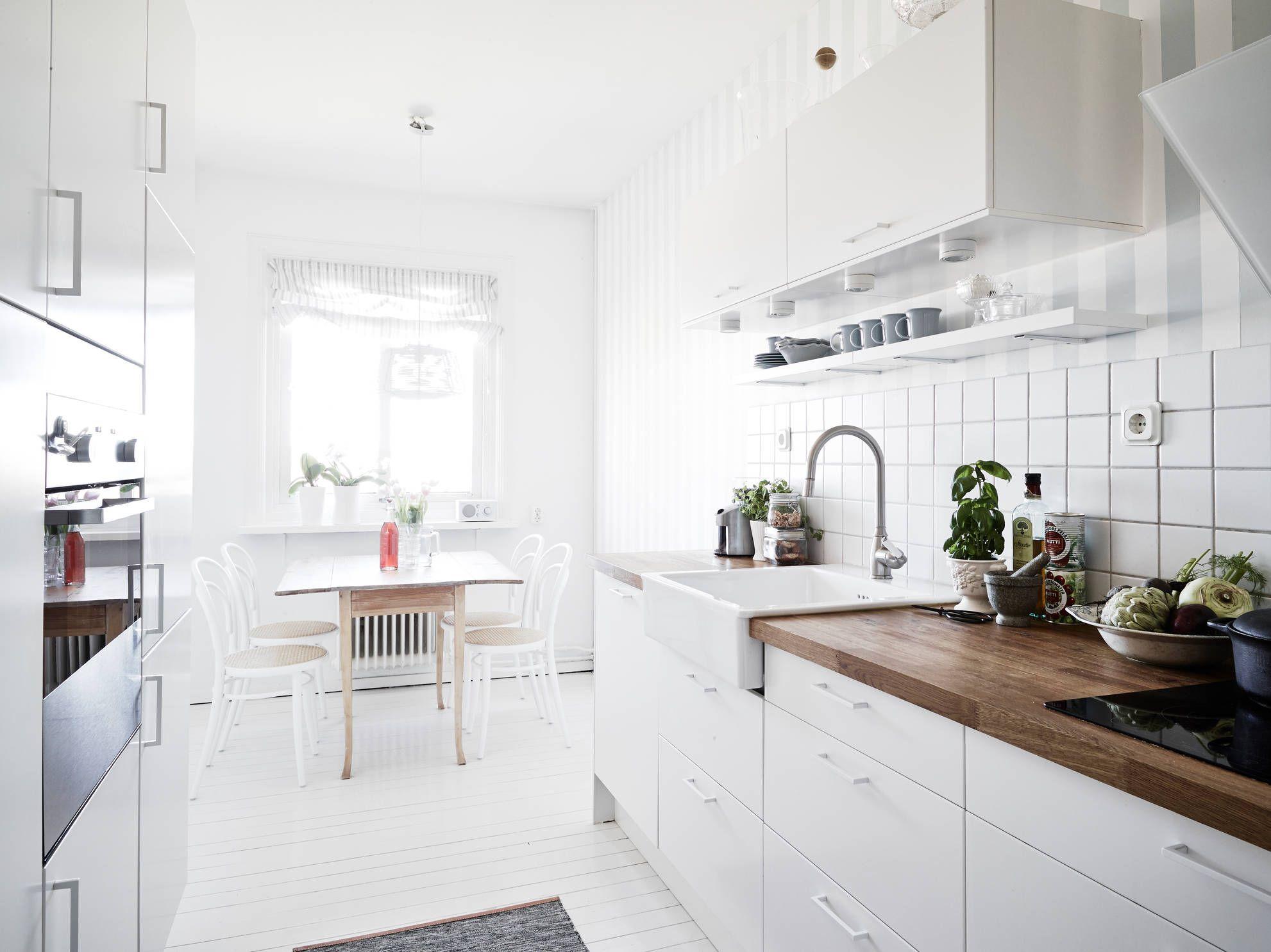 30+ Modern White Kitchen Design Ideas and Inspiration | Scandinavian ...