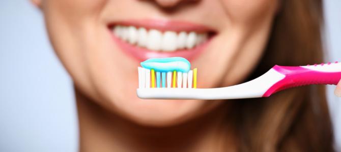 زيت_القرنفل_لألم_الأسنان زيت القرنفل لاوجاع الاسنان هو