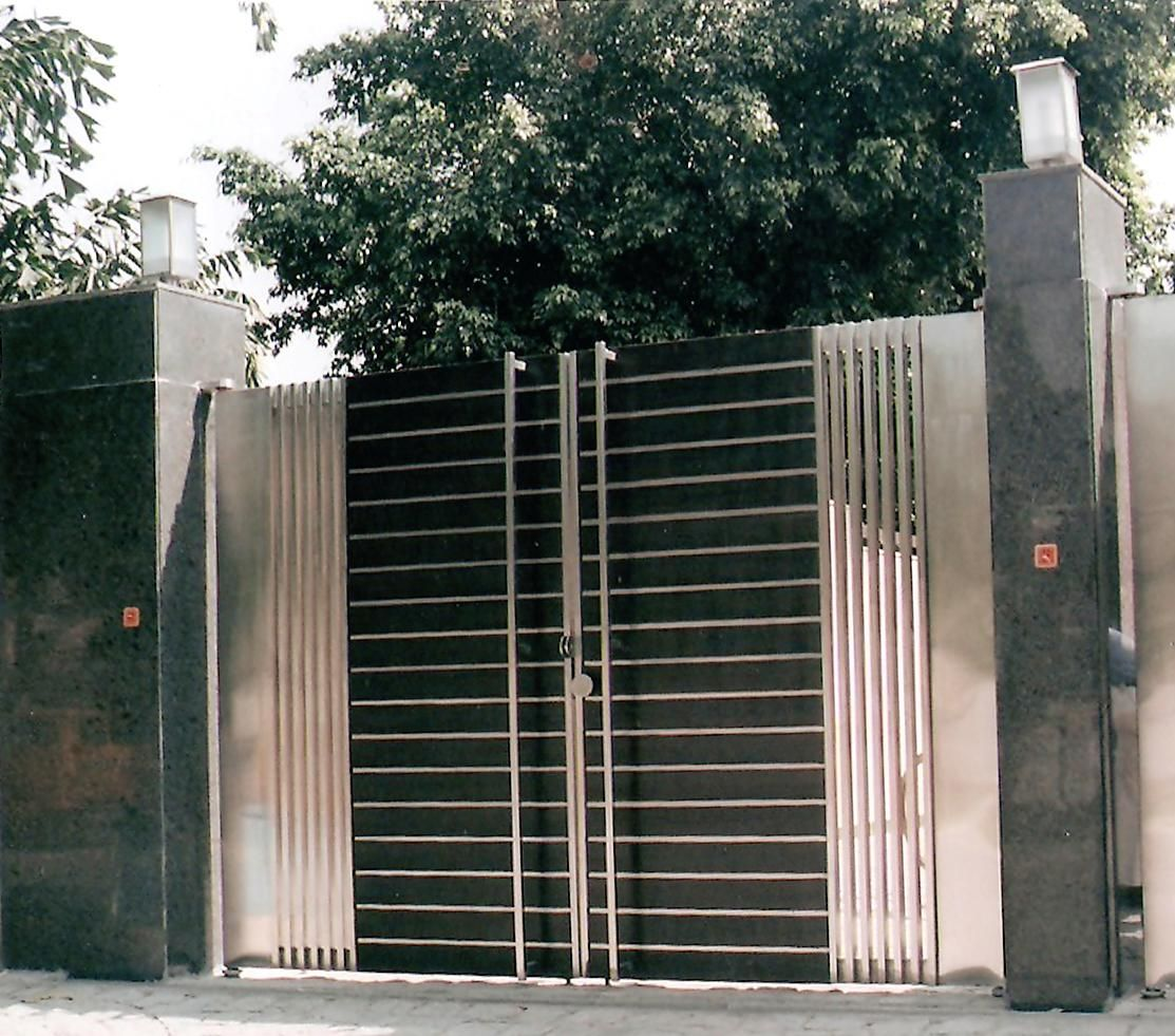 Modern Stainless Steel Main Gates Design Idea | Fences | Pinterest ...
