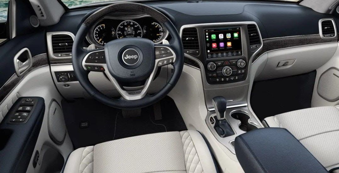 And It Will Also Be Available For The Srt Package Jeep Offers Red Contrast Stitching And Plenty Of Gunmetal Finishes 2020 Jeep Grand Cherokee Interior Jeep Di 2020