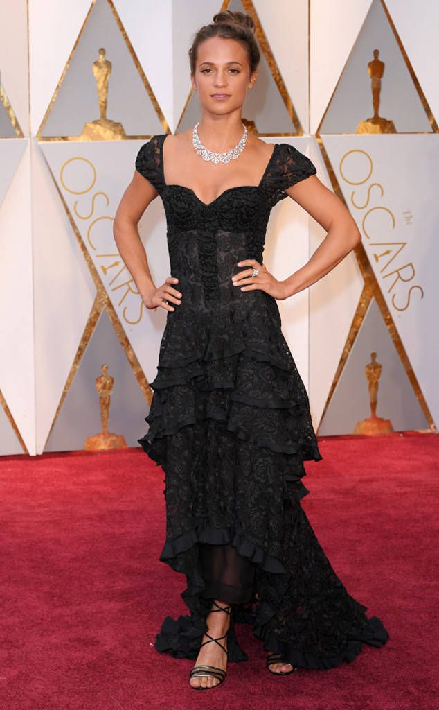 Alicia Vikander Black Lace Dress Oscars 2017