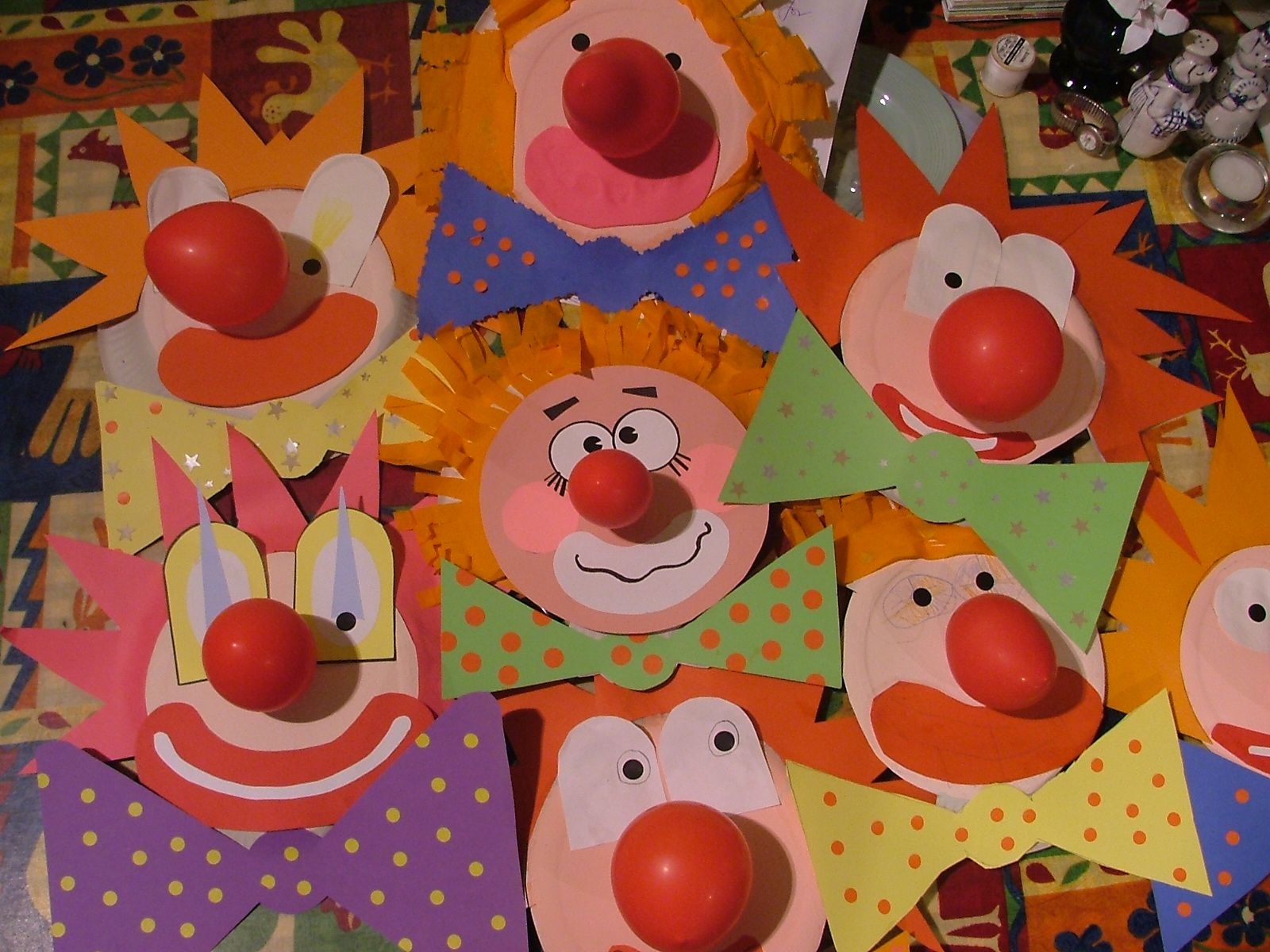Paper plate clowns fasnacht pinterest fasching - Clown basteln kindergarten ...